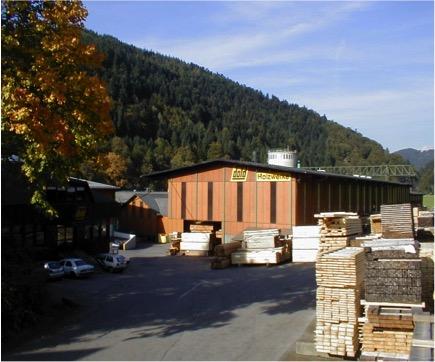 Usine DOLD pour Bois de Fermettes et bois de charpentes industrielles et Panneaux 3 - 5plis - Agence Boinet Importateur